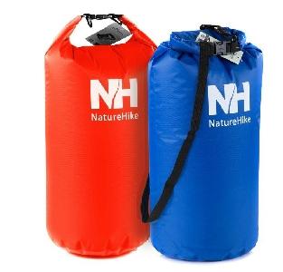 Цветни компактни пътни чанти