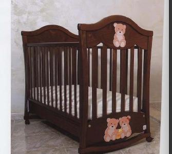 Дървено детско легло с цвят античен орех \