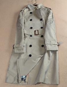 Γυναικείο παλτό  με διπλό γιακά για το  φθινόπωρο και την άνοιξη