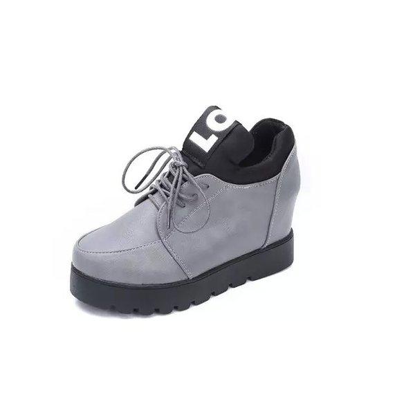 Παπούτσια και τσάντες σε απευθείας σύνδεση - άνδρες και γυναίκες ... 23bdc382003