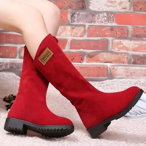 Дамски зимни високи ботуши от изкуствена кожа и с кадифена подплата отвътре - червени и черни, водоустойчиви