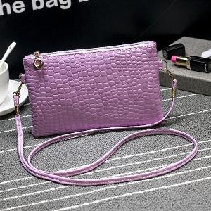 Дамски модерни чанти - нови топ модели за рамо, от изкуствена кожа и мека повърхност
