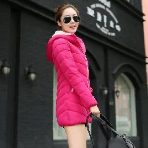 Γυναικείο μπουφάν με κουκούλα σε  διαφορετικά μοντέλα