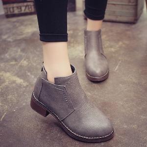 Γυναικεία παπούτσια με παχιά σόλες
