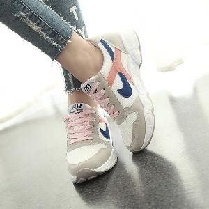 f1175814b70 Модерни дамски маратонки в различни цветове - Badu.bg - Светът в ...
