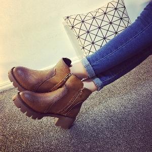 Дамски кожени обувки