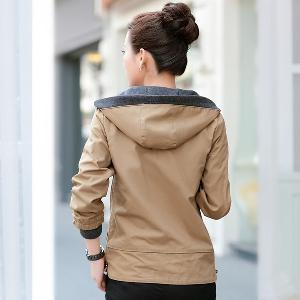 Γυναικείο   μπουφάν με κουκούλα - Τέσσερα μοντέλα και διαφορετικά μεγέθη