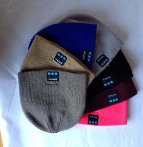Зимна шапка със слушалки Bluetooth
