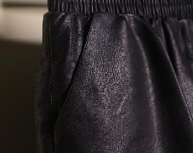 Дамски къси черни панталони