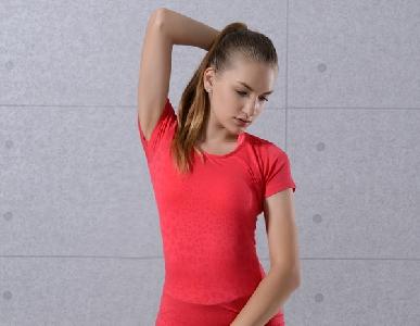 Спортна дамска тениска подходяща за фитнес - в 6 различни цвята