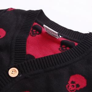Детска жилетка - пролет и есен - черна с изображения от червени черепи