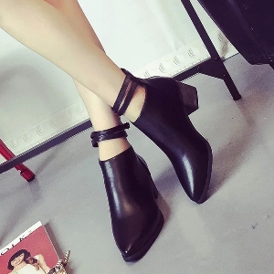 Дамски заострени обувки с 2 каишки