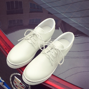 Дамски спортно-елегантни кожени обувки с връзки на платформа