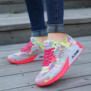 Дамски цветни маратонки с въздушна възглавница