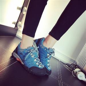 Леки дамски туристически обувки - 4 модела