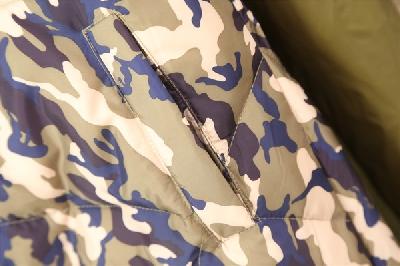 Γυναικείο   μπουφάν καμουφλάζ με κουκούλα για την άνοιξη