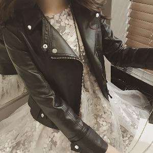 Дамско пролетно кожено яке - в черен цвят