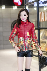 Дамско пролетно яке с цветя: черно и червено
