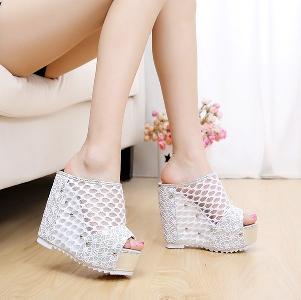 Дамски сандали с висока платформа 2 цвята