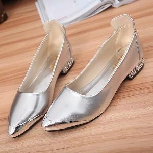 Пролетни обувки-бели, сребристи,черни и златисти.