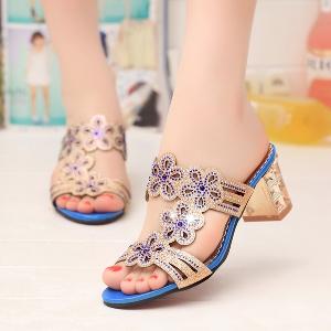 Дамски чехли с цветчета три цвята