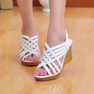 Дамски сандали кремав бял и черен цвят