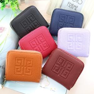 πορτοφόλια σε μαύρο, γκρι, πορτοκαλί, ροζ και μοβ - 5 μοντέλα