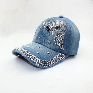 Дамски дънкови шапки с козирка и различни надписи с кристали - стил Ърбан