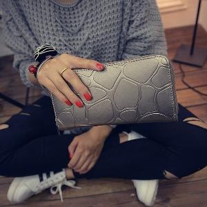 Γυναικείο πορτοφόλι από συνθετικό δέρμα σε γκρι, μαύρο, ασημί, μπλε, φούξια και χρυσό χρώμα