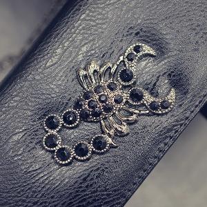 Γυναικείο πορτοφόλι με ένα σκορπιό σε ασημί, φούξια, μαύρο, μπλε και χρυσό χρώμα