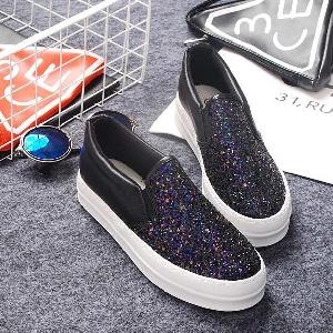 Дамски ежедневни обувки с лека платформа и брокат