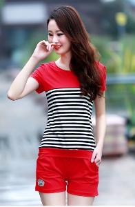 Дамски летен комплект от тениска с къс ръкав и къси панталони - три топ модела