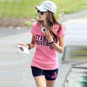 Дамски спортен комплект: тениска и къси панталони