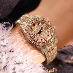 Дамски кварцов часовник златист цвят