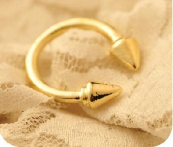Дамски пръстени в черен,сребрист и златист цвят - 10 модела