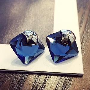 Дамски диамантени обеци в син, златист и сребрист цвят