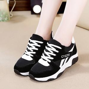Дамски обувки за ежедневие и лек спорт - три варианта в черно