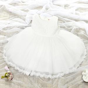 Рокли за малки принцеси с дантела и шифон-два модела с къс и дълг ръкав.