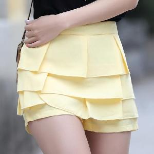 Дамски плисирани цветни къси панталони