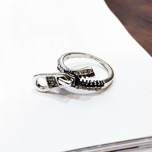 Дамски пръстен в сребрист цвят - тип цип