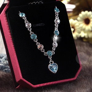 Дамски гривни с кристали 10 оригинални модела.