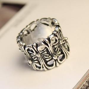 Дамски пръстен в сребристо-черен цвят - 2 модела