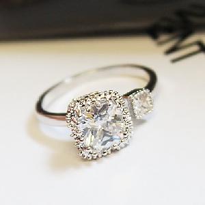Дамски пръстени в златист и сребрист цвят с кристали - 2 модела