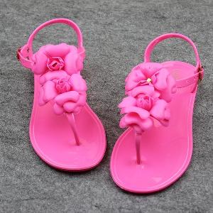 Дамски силиконови сандали в три цвята.