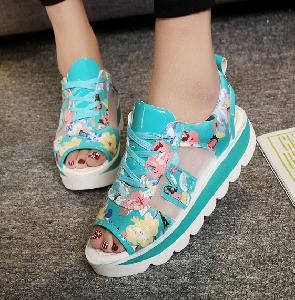 Дамски екстравагантни сандали пет модела.