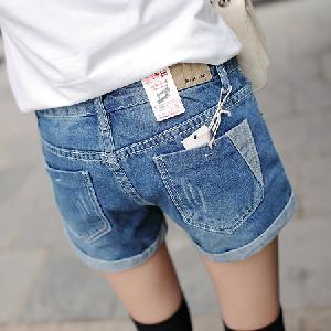 Дамски къси дънкови панталони два модела.