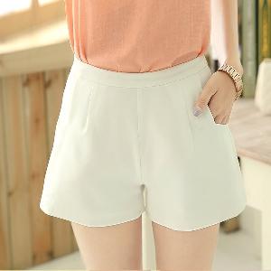 Къси дамски панталони в бял и син цвят - 2 модела