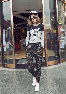 Камуфлажни дамски панталони един модел