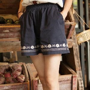 Дамски къси панталони-12 различни модела.