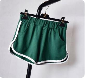 Къси дамски панталони в различни цветове - 7 модела